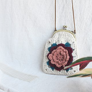 Wool coin purse mouth gold bag double-chain three-dimensional flower