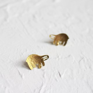 Sloth hammered brass earrings I Story_Slow Journey