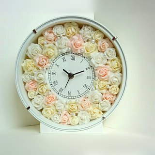 Flower Clock round (white) Natural rose (mix)