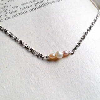 Limited one - three color pearl sterling silver necklace