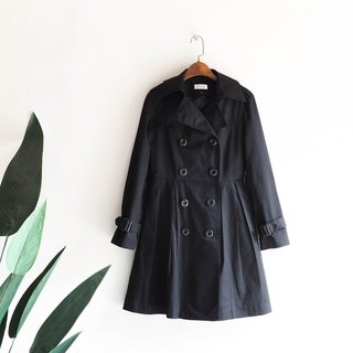 Elm dark black classic restrained antique thin windbreaker jacket trench_coat dustcoat
