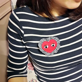 【POPO ABBY】EMBROIDERY BROOCH  ❤ THE HEART SHAPE OF LOVE ❤ RED&BLACK HANDMADE DESIGN  MAMA GIFT