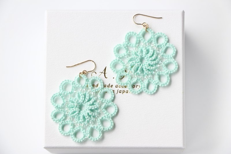 14kgf-Tatting lace pierced earrings(sky blue)