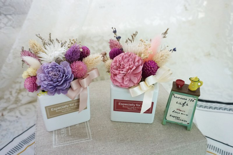 Fresh and lovely dry flower ceremony birthday gift / entrance house / home decoration*exchange gift*Valentine's Day*wedding*birthday gift