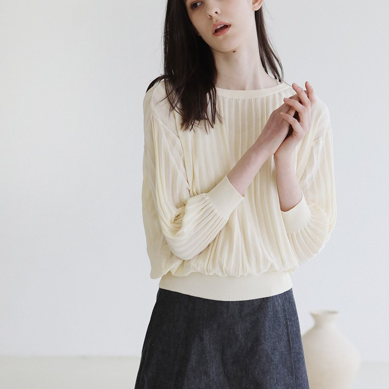 KOOW Fine Knitted Pleated Pullover