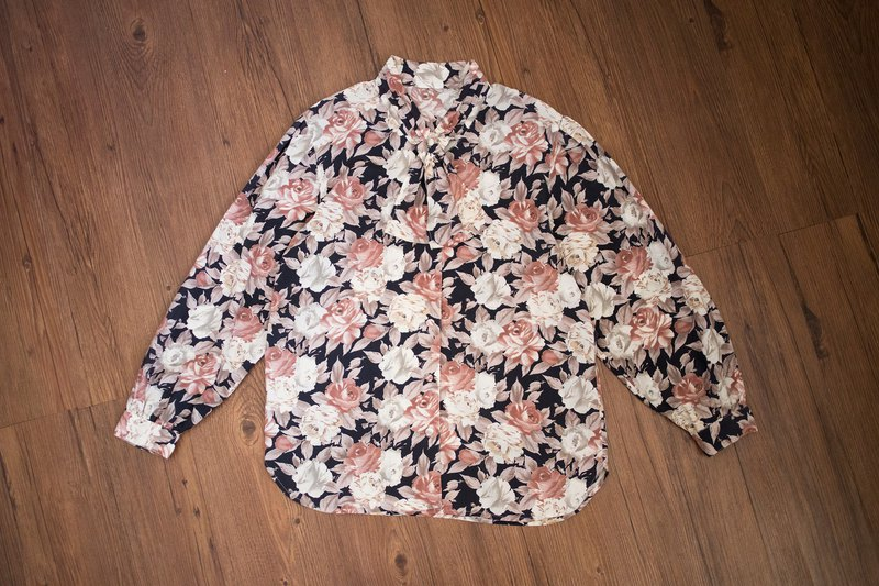 Vintage shirt #4 girl flower handle floral bow tie long sleeve shirt