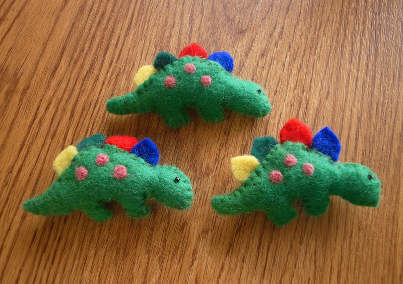felted dinosaur brooch, animal pin