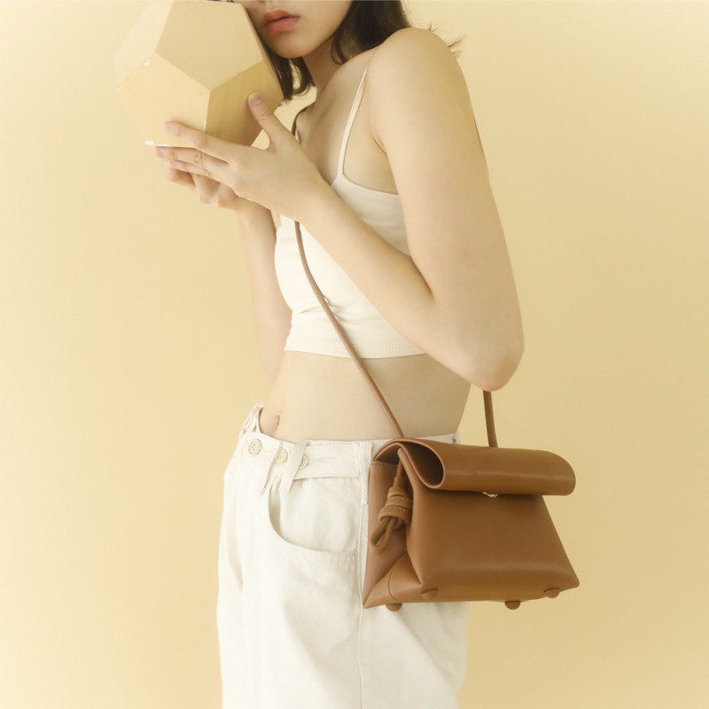 MINI No. Brown minimalist handmade color leather leather diagonal shoulder bag simple temperament commute