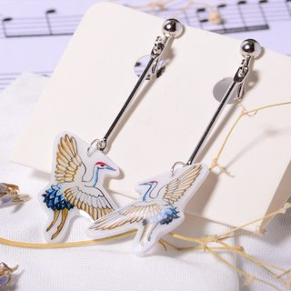 Crane pure hand-painted color drawing, silver stud earrings, creative hand, limited solitary goods only this one