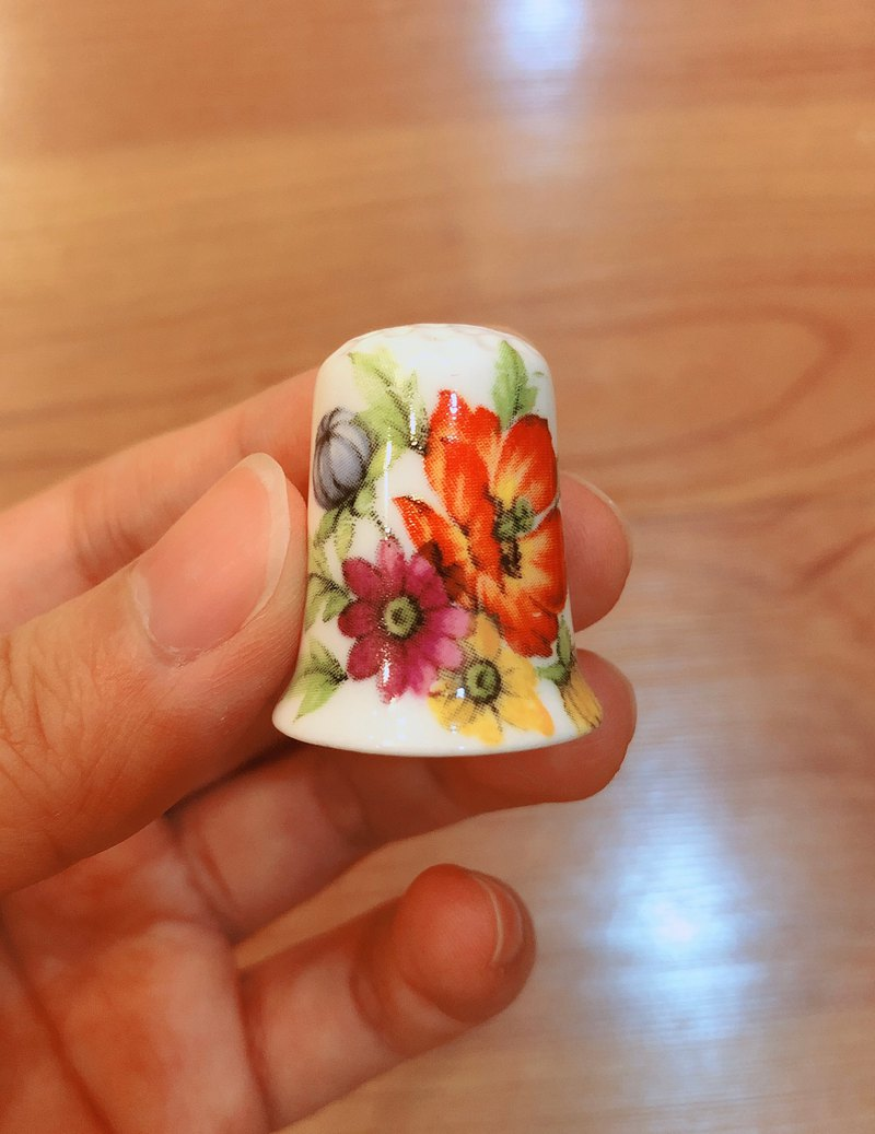 British antique thimble collection flower series D