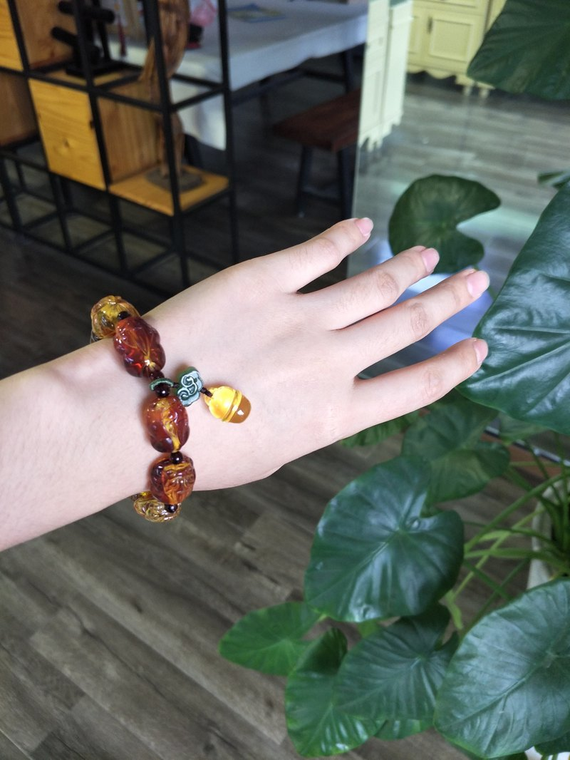 Customized [Meet] Amber Natural Amber Engraving 貔貅 Lucky Evil Classic Bracelet
