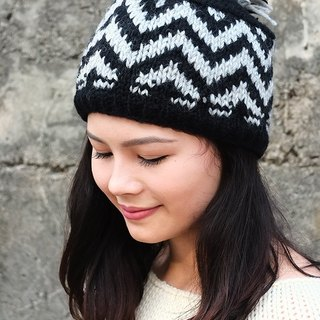 【Grooving the beats】Handmade Hand Knit Wool Beanie Hat with Pompom(V Stripe_Black+White))