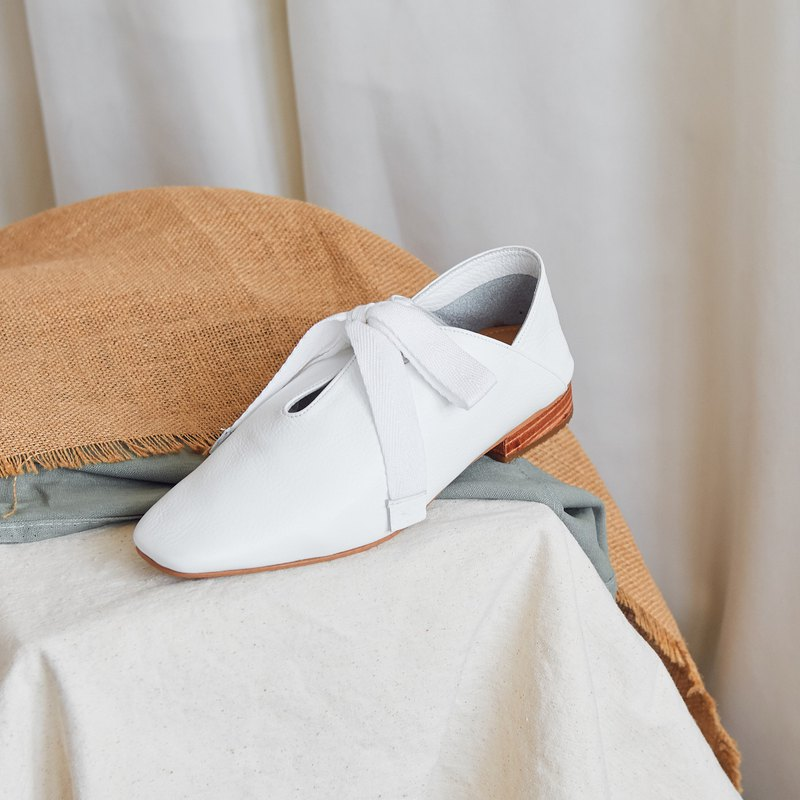 White - IRIS Soft Loafers
