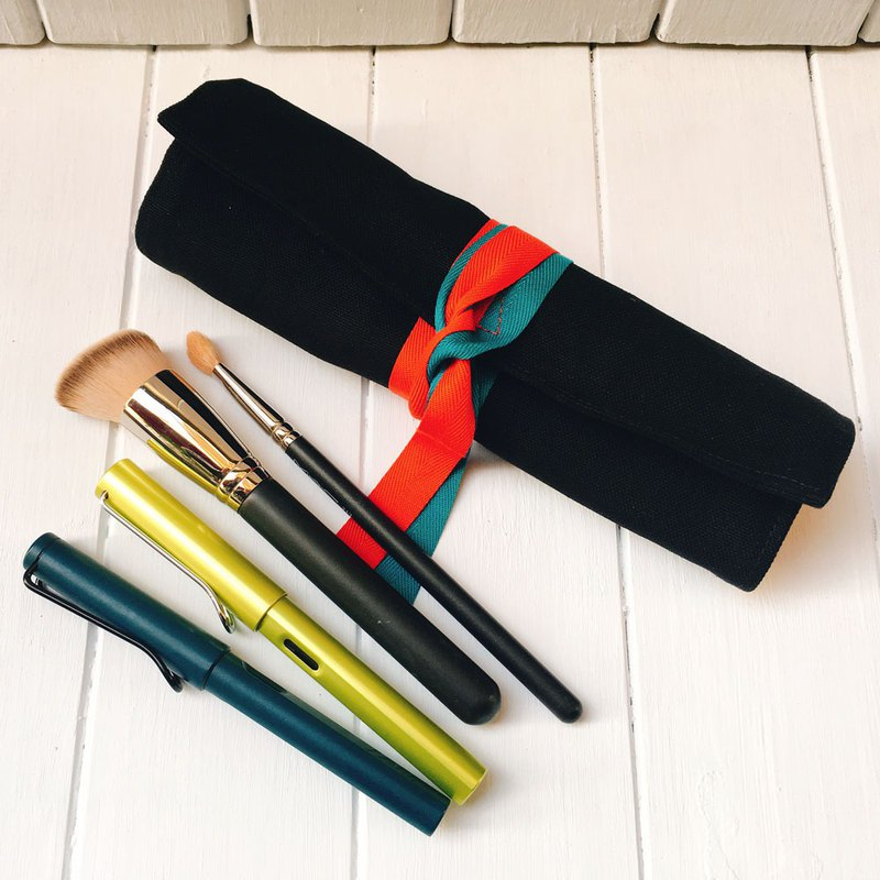 Pen roll, brush bag (black and red canvas)