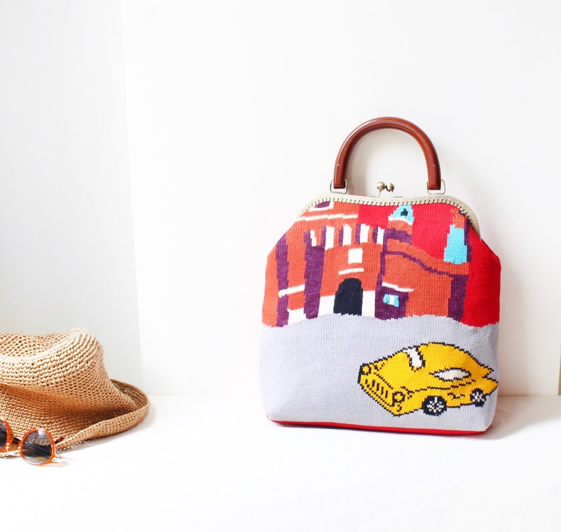 Red car wool sweater big mouth gold bag (limited one