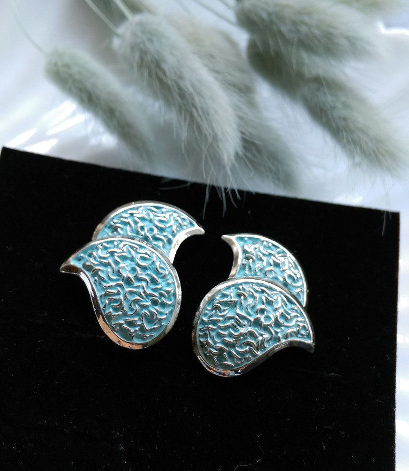 [Western antique jewelry / old pieces] MARVELLA stickers ear blue clip-on earrings