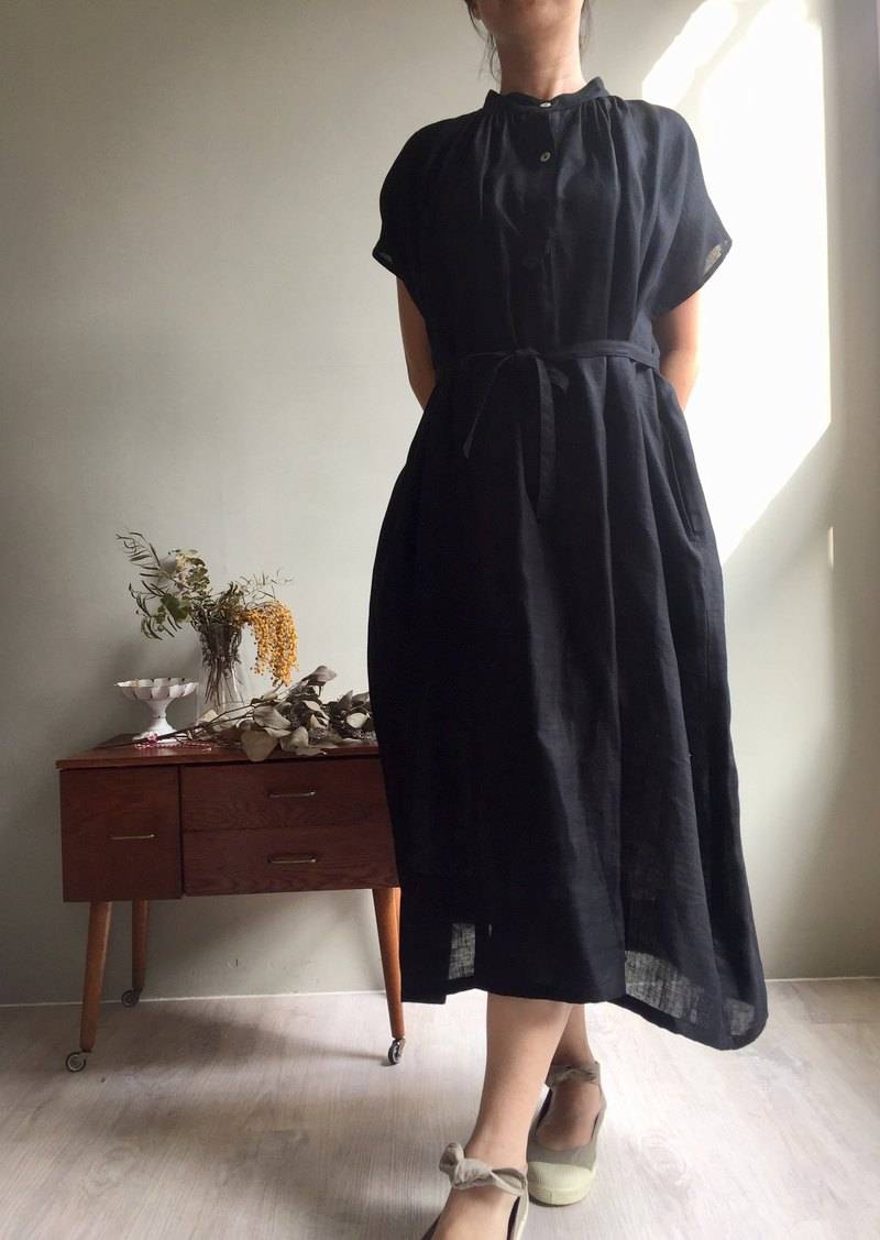 Nightingale Song / Mysterious Black Stand Collar Open Short Sleeve Dress Japanese Made Yarn