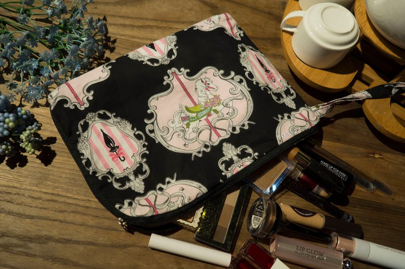 Customizable - Self sewing sewing princess style carousel fabrics multiple dark grid open zipper large capacity cosmetic bag