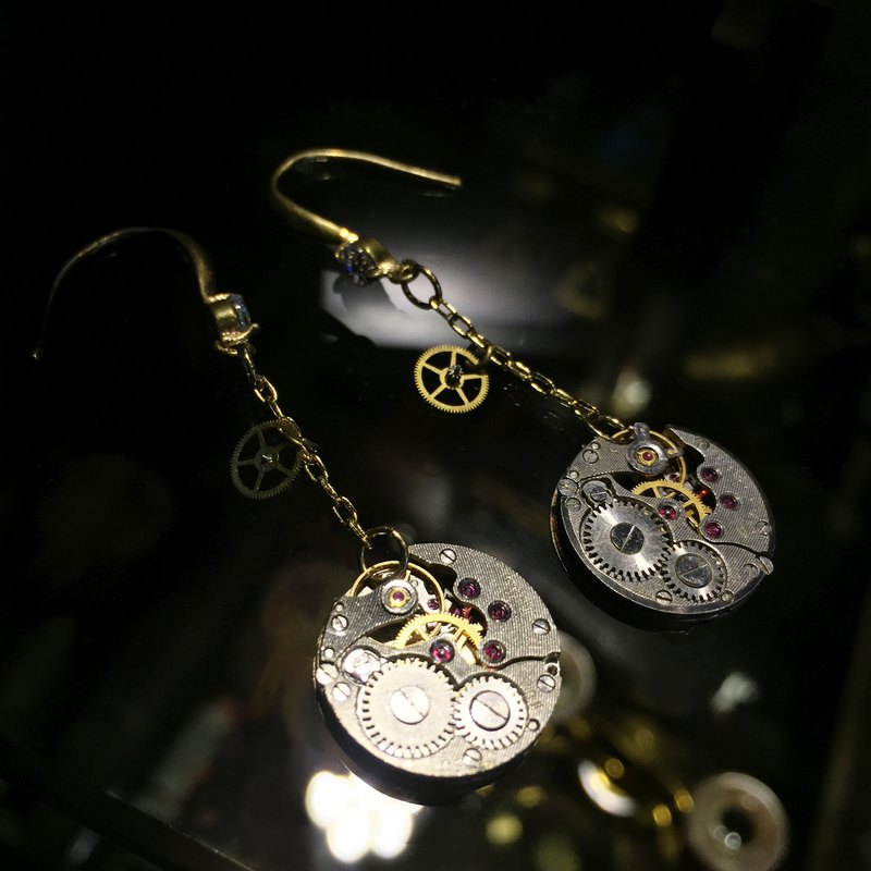 Antique movement hanging earrings of the 1960s