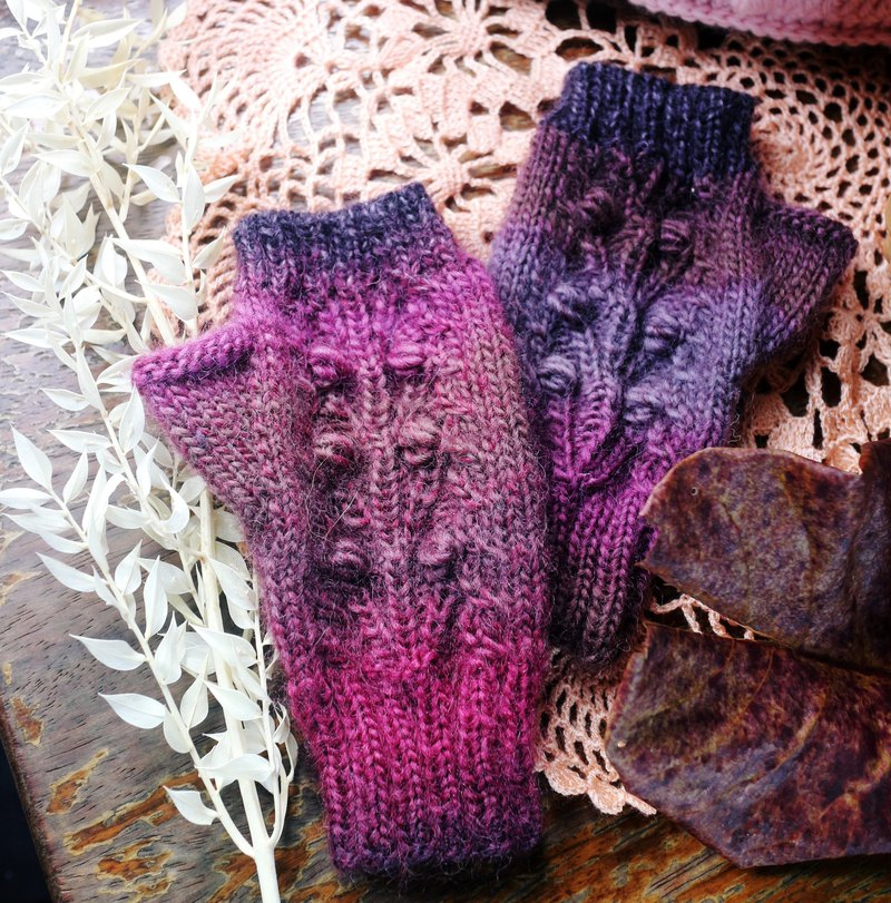 Hand made - paragraph dyed twist - female gloves - twist thumb gloves