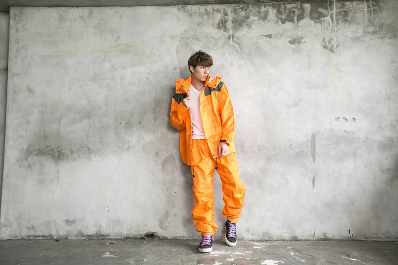Japan's most popular two-piece raincoat - orange