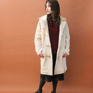 Retro autumn and winter college wind cute sweet beige long version hooded vintage horn buckle coat coat