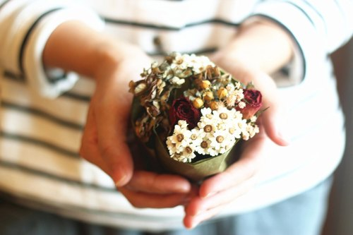 [Good day hand] hand tied bouquet. Autumn retro hydrangea roses