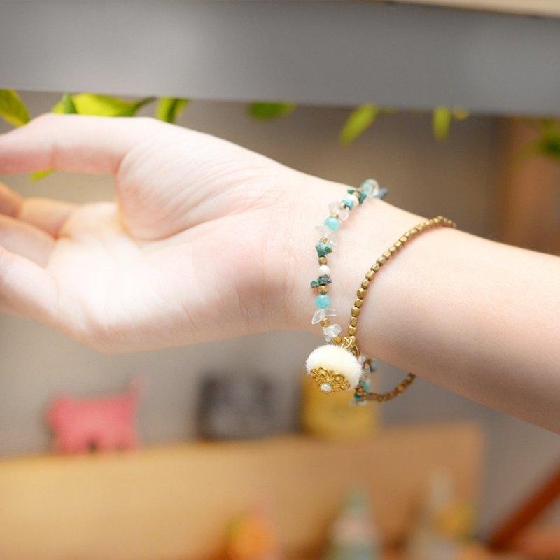 一個超級可愛的pompom手鍊與尼龍工藝的黃銅