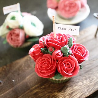 【Lei Anbo】 awakening. A pot of red roses │ natural soy fragrance candle │ earth fragrance oil │ Korean crowded flower │ cupcake candle │ wedding small objects