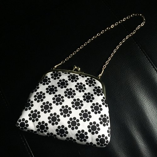 【custom made】Japanese traditional pattern kiss lock petit party bag