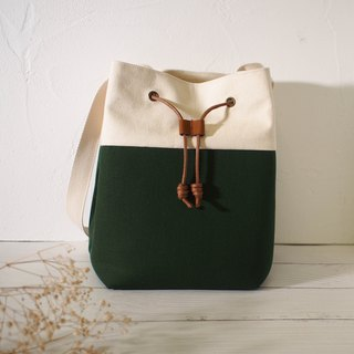 Traveler series cross-body bag / bucket bag / limited manual bag / forest green / off-the-shelf