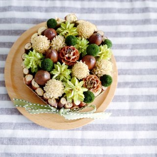 Or to paradise - sweet and colorful dried flowers Tower Matcha hazelnut section - Dried flower tart