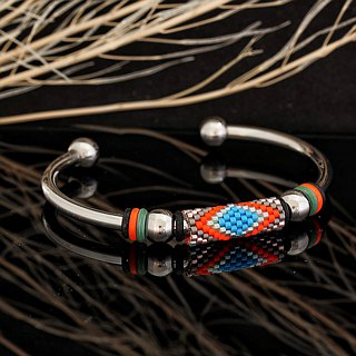 Aiko Bead with 4mm Stainless Steel Bangle Peyote-7