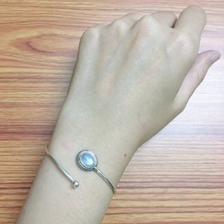 Moonstone Bangle Handmade in Nepal 92.5%Silver