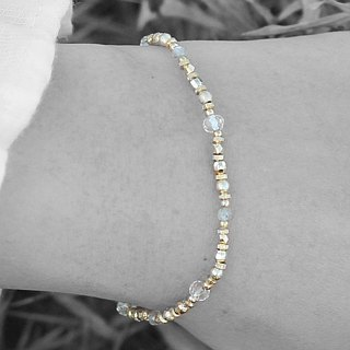 Full moon. Natural ore bracelet gray moonstone ice cracked white crystal 24K gold and copper geometric bead bracelet