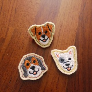Happy Dog C Embroidery Brooch 4 Base Cloth Random Fabrication