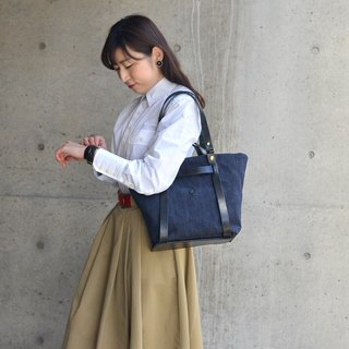 Large-capacity magazine design models tannins simple handbag / shoulder bag Made in Japan by CLEDRAN