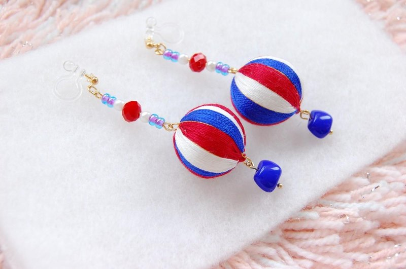 tachibanaya France Tricolor Japanese TEMARI earrings Red Blue White