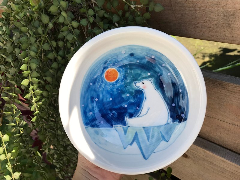 Hand-painted underglaze painted polar bear series small bowl 2