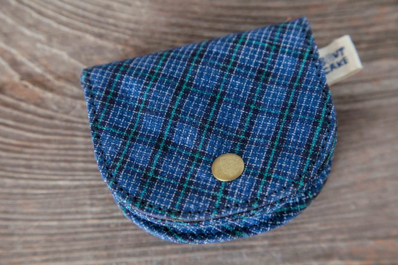 Brut Cake handmade fabric coin wallet (blue)