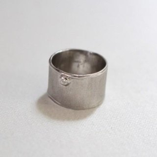 Simple silver ring (silver color)