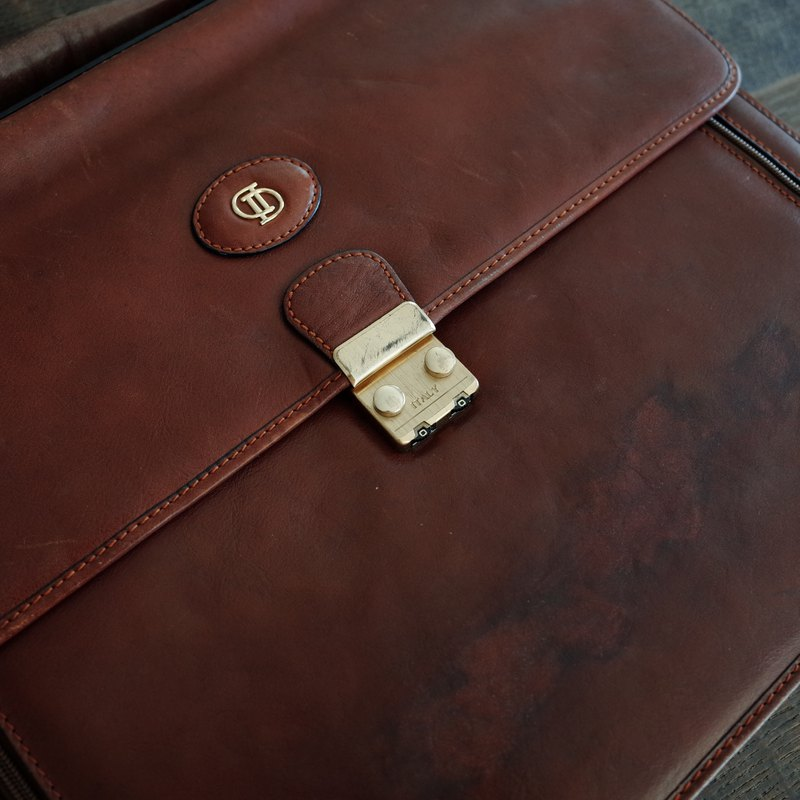 DD brown / / cowhide / / portable / / antique / / briefcase / / multi-layer / / organ folder