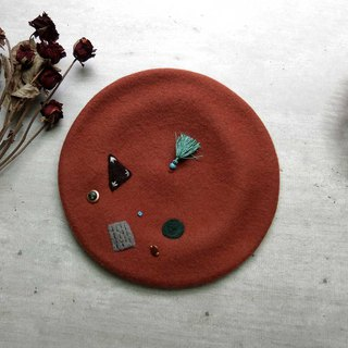 100% pure wool felt beret (brick red geometry)