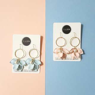 Marshmallow flower flower - 2 color ear pin / ear clip handmade earrings Korea direct