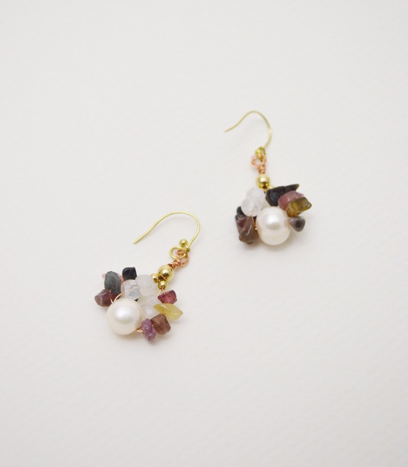 Untitled-White Pearl‧Moonstone‧Tourmaline‧Brass.Copper Drop Long Earrings