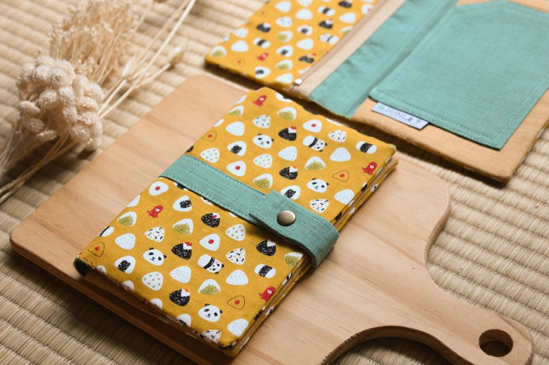 [Panda bear 喵 rice ball] passport holder/book cover