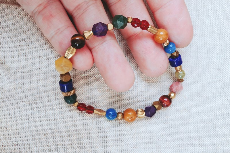 Natural stone x brass bracelet - colorful gemstone