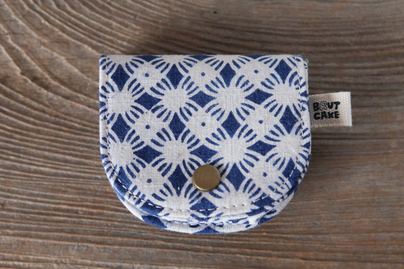 Brut Cake - Printed Vintage Retro Coin Purse (13) Can accommodate change banknote cards and headphones