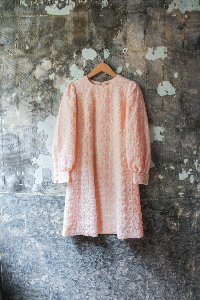 袅袅 department store-Vintage light pink embroidery flower dress retro