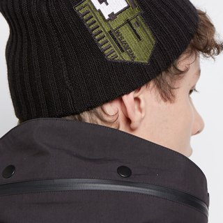 Small house design black wool cap green embroidery
